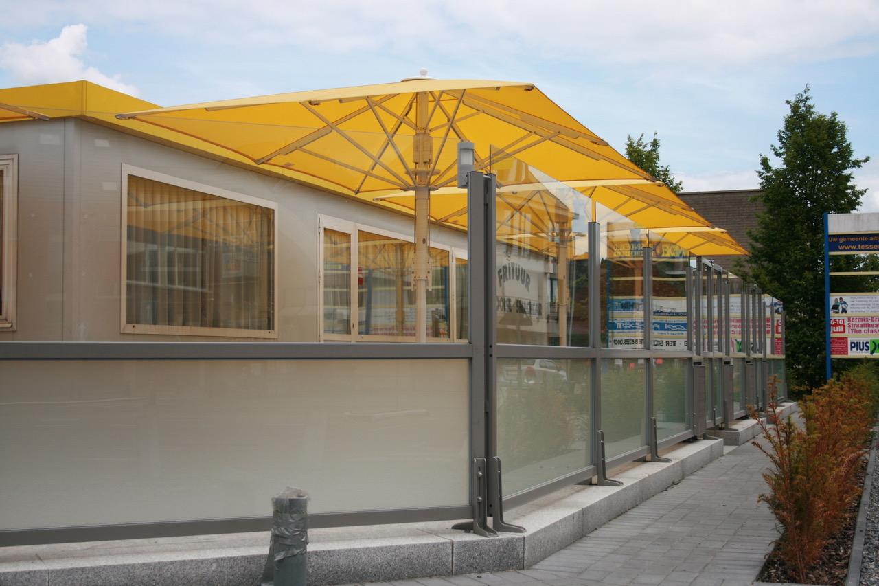 Stores et coupe-vent - Paroi coupe-vent pour terrasse de restaurant