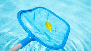 Entretien et accessoires piscine : épuisette de propreté piscine