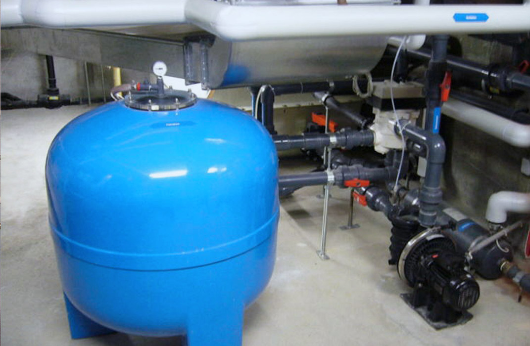 local technique, système de filtration pour piscine