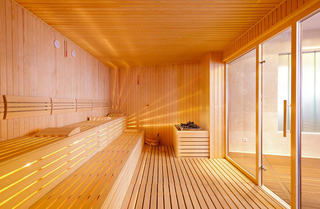 sauna finlandais vitr lamatec. Black Bedroom Furniture Sets. Home Design Ideas