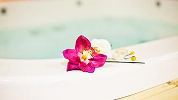 Piscines & Wellness : détente et bien-être avec nos spas Jacuzzi