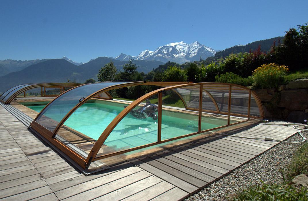 Abri de piscine bas imitation bois
