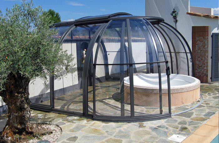 Abri Oasis, abri de spa adossé avec toiture ouvrante