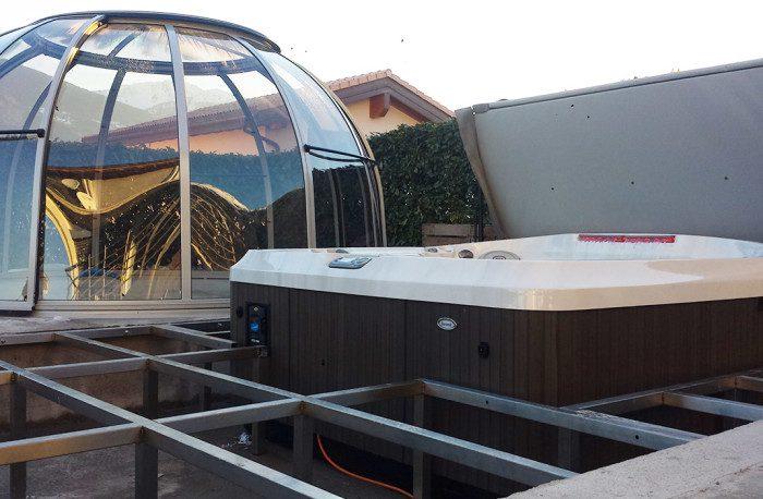 Pose de spa Jacuzzi portable semi encastré avec structure plancher sur mesure