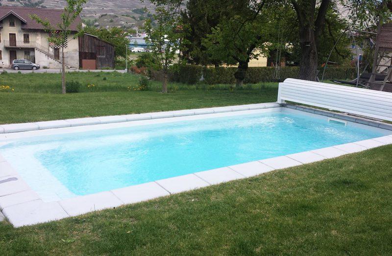 piscine coque de 7x3 avec volet hors sol lamatec. Black Bedroom Furniture Sets. Home Design Ideas