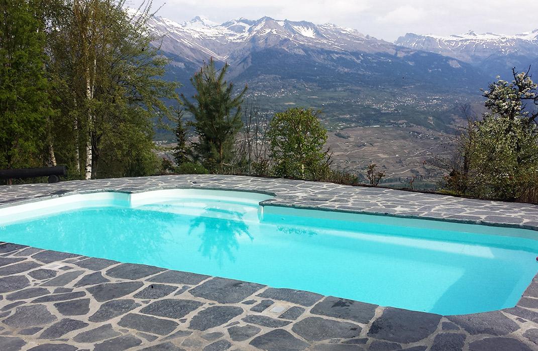 Piscines - Piscine extérieure coque polyester avec escalier roman, hivernage de la piscine