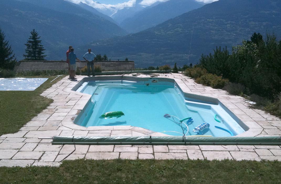 Piscine ext rieure polyester lamatec for Accessoire piscine 68