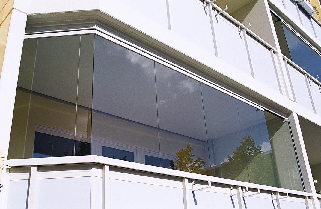 fermeture de balcon coulissant pivotant lamatec. Black Bedroom Furniture Sets. Home Design Ideas