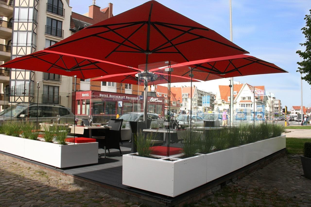 Stores et coupe-vent - Paroi de verre pour terrasse de restaurant
