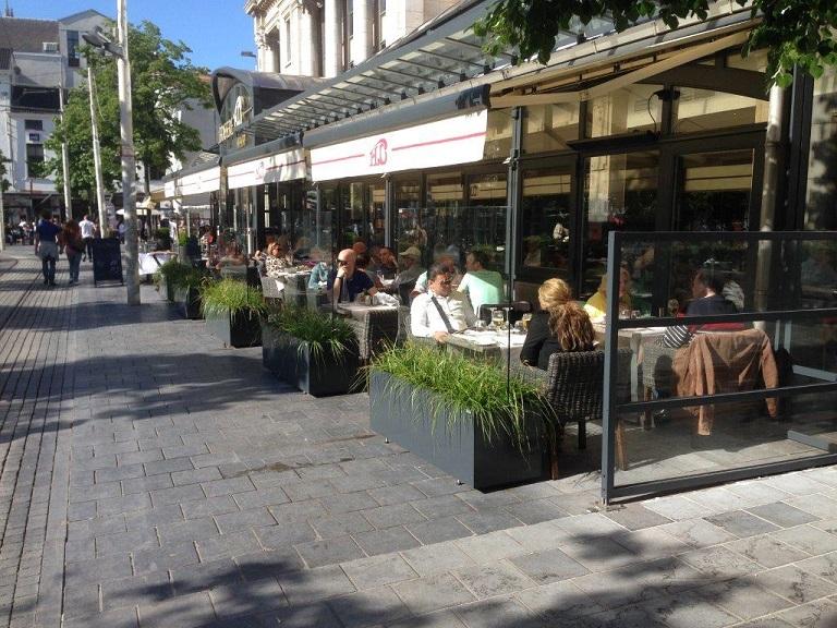 Stores et coupe-vent - Coupe-vent pour terrasse de restaurant
