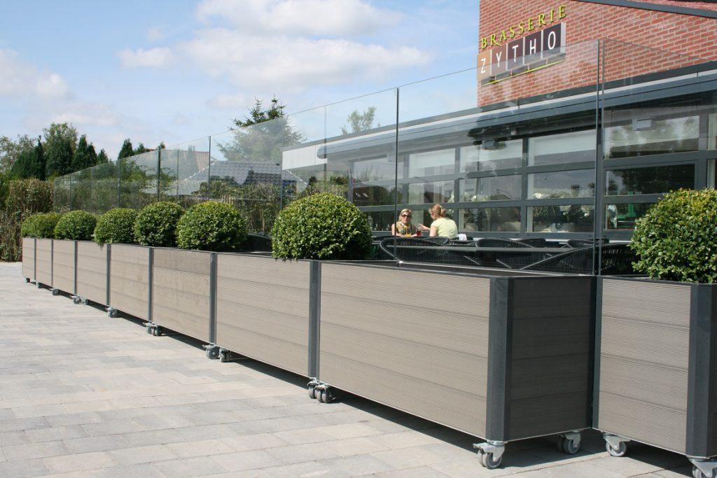simple coupevent mobile pour terrasse de restaurant with coupe vent terrasse retractable. Black Bedroom Furniture Sets. Home Design Ideas