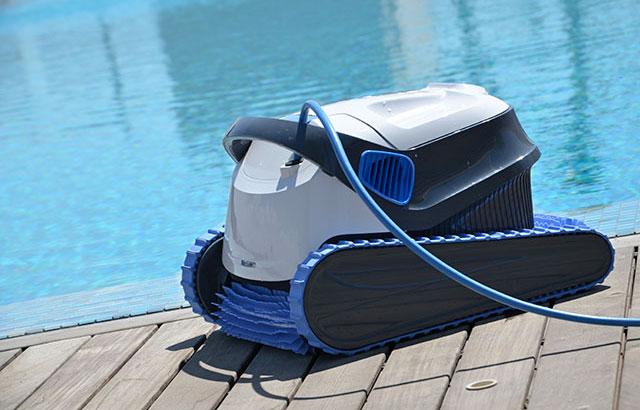 Remise en service de la piscine lamatec - Robot dolphin s300 ...
