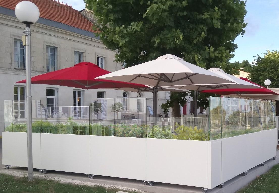 Stores et coupe-vent - Coupe-vent mobile pour terrasse de restaurant